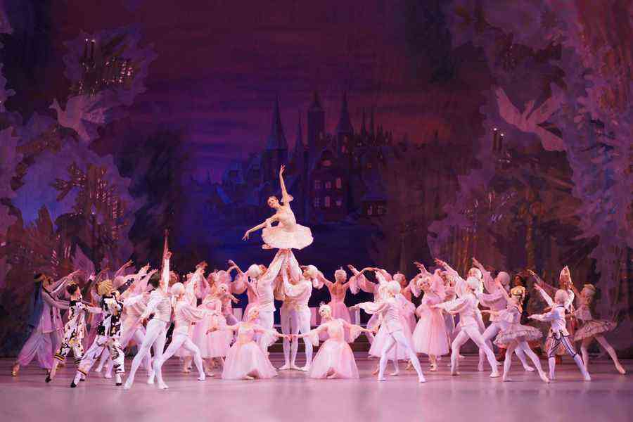 Showings of the performances: The Sleeping Beauty ballet, The Nutcracker ballet, The Jewels ballet